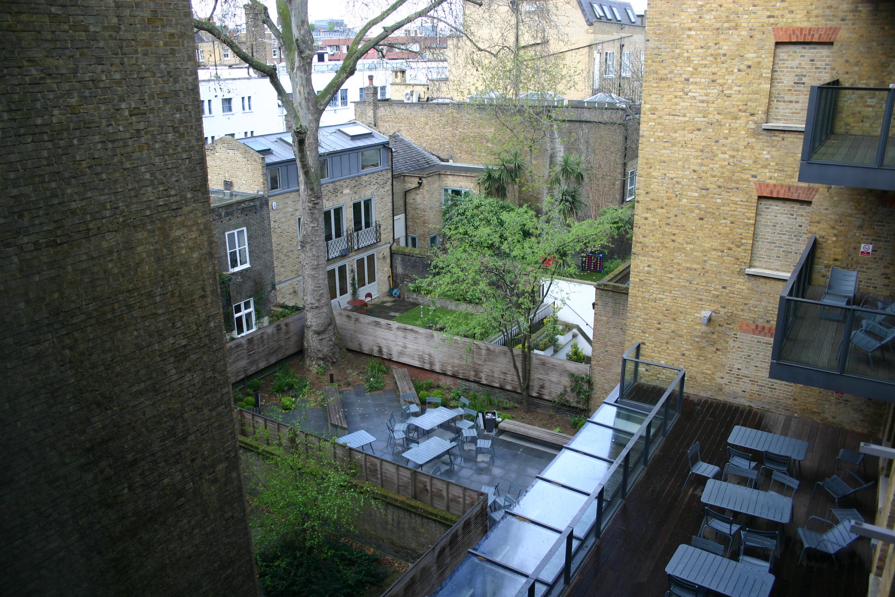 Hultロンドンキャンパスの中庭